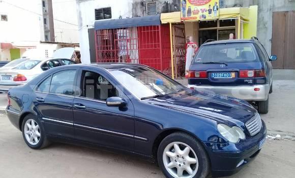 Acheter Occasion Voiture Mercedes-Benz C-klasse Bleu à Abidjan, Abidjan