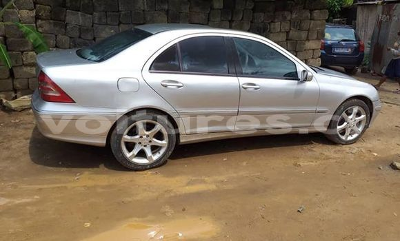 Acheter Occasion Voiture Mercedes‒Benz C-klasse Gris à Abidjan, Abidjan