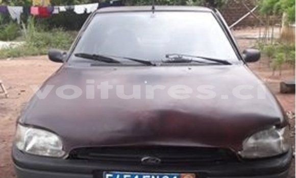 Acheter Occasion Voiture Ford Escort Rouge à Abidjan, Abidjan