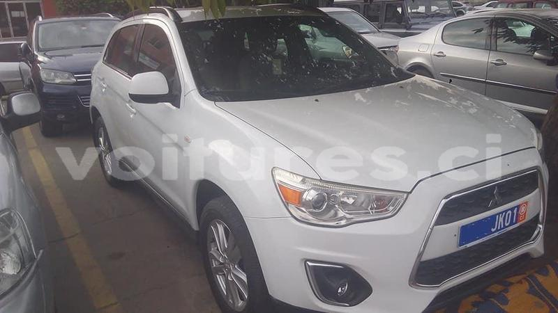 buy import mitsubishi asx white car in abidjan in abidjan - voitures.ci