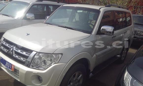 Acheter Importé Voiture Mitsubishi Pajero Blanc à Abidjan, Abidjan