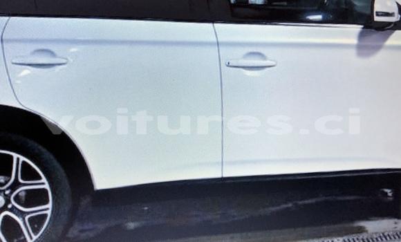 Acheter Occasion Voiture Mitsubishi Outlander Blanc à Abidjan, Abidjan