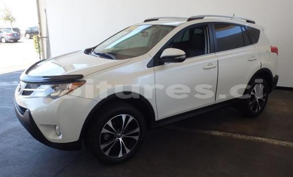 Acheter Occasion Voiture Toyota RAV4 Blanc à Abidjan, Abidjan