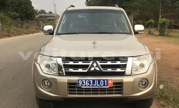 Acheter Occasion Voiture Mitsubishi Pajero Beige à Abidjan, Abidjan