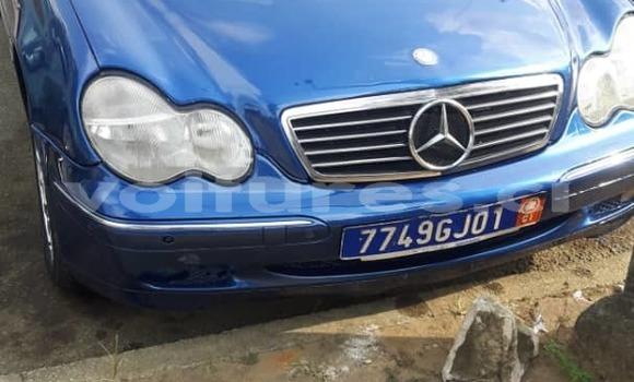 Acheter Occasion Voiture Mercedes‒Benz C-klasse Bleu à Abidjan, Abidjan