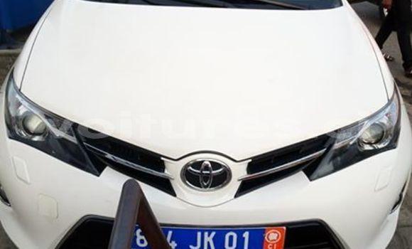 Acheter Occasion Voiture Toyota Auris Blanc à Abidjan, Abidjan