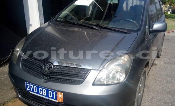 Acheter Occasion Voiture Toyota Verso Gris à Abidjan, Abidjan