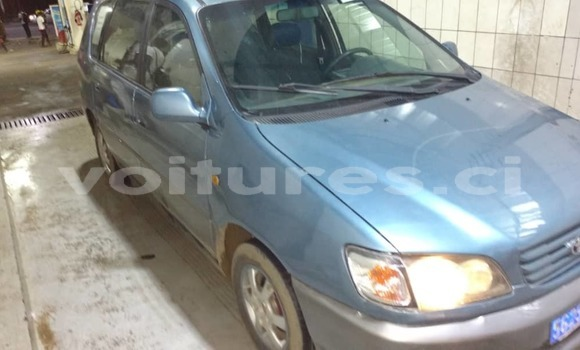 Acheter Occasion Voiture Toyota Picnic Bleu à Abidjan, Abidjan