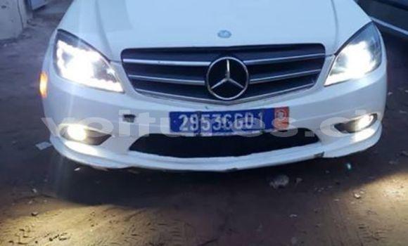 Acheter Occasion Voiture Mercedes‒Benz C–Class Blanc à Abidjan, Abidjan
