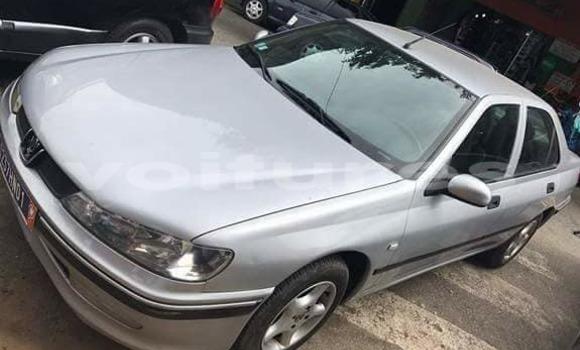 Acheter Occasions Voiture Peugeot 406 Gris à Abidjan au Abidjan
