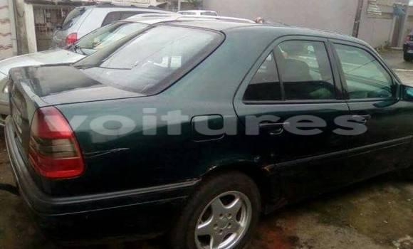 Acheter Occasion Voiture Mercedes‒Benz 200 Noir à Abidjan, Abidjan