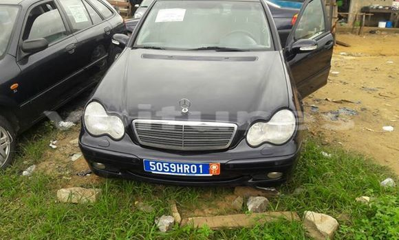 Buy Used Mercedes‒Benz 200 Black Car in Abidjan in Abidjan