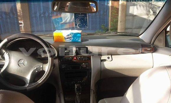 Acheter Occasion Voiture Mercedes‒Benz C–Class Vert à Abidjan, Abidjan