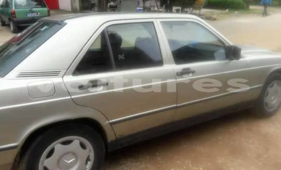 Acheter Occasion Voiture Mercedes‒Benz 190 Autre à Abidjan au Abidjan