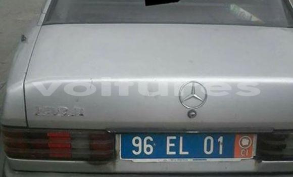 Acheter Occasion Voiture Mercedes‒Benz 190 Gris à Abidjan au Abidjan