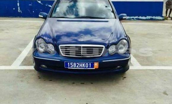 Acheter Occasions Voiture Mercedes‒Benz C–Class Bleu à Abidjan au Abidjan