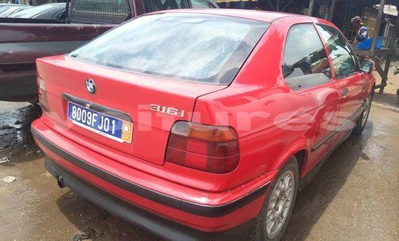 Acheter Occasion Voiture BMW 3-Series Rouge à Abidjan au Abidjan