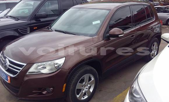 Acheter Occasion Voiture Volkswagen Touareg Marron à Abidjan au Abidjan