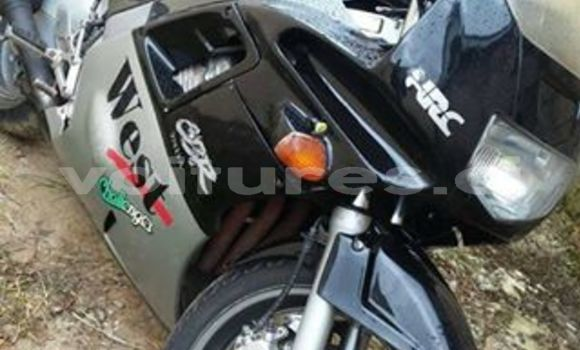 Buy Used Honda CBR 1000 RR Black Moto in Abidjan in Abidjan
