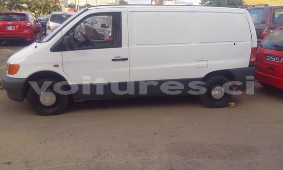 Acheter Occasion Utilitaire Mercedes‒Benz Vito Blanc à Abidjan au Abidjan