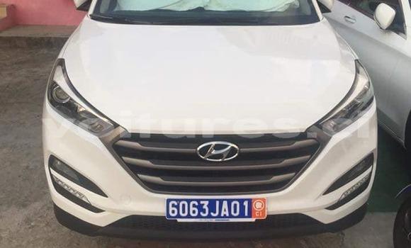Acheter Occasion Voiture Hyundai Tucson Blanc à Abidjan au Abidjan