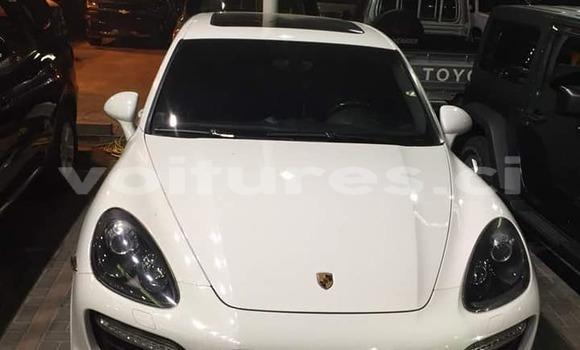 Acheter Neuf Voiture Porsche Cayenne Blanc à Abidjan au Abidjan