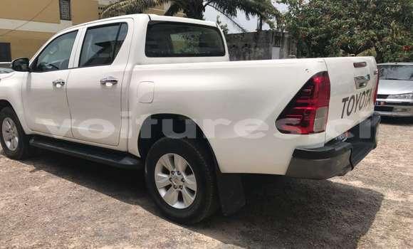 Acheter Occasions Voiture Toyota Hilux Blanc à Abidjan au Abidjan