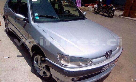 Acheter Occasion Voiture Peugeot 307 Gris à Abidjan au Abidjan
