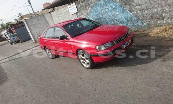 Acheter Occasion Voiture Toyota Carina Rouge à Abidjan au Abidjan