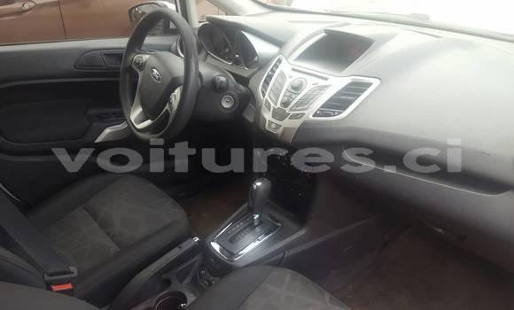 Acheter Occasion Voiture Ford Fiesta Blanc à Abidjan au Abidjan