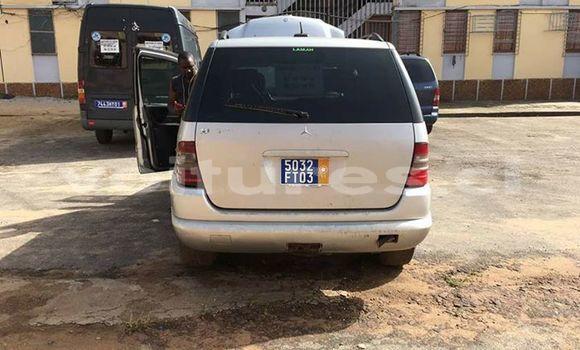 Acheter Occasion Voiture Mercedes‒Benz ML–Class Gris à Abidjan, Abidjan