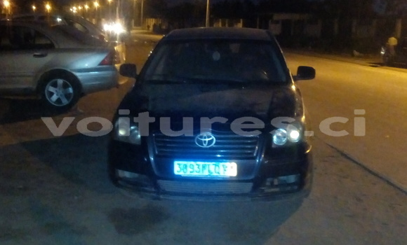 Acheter Occasions Voiture Toyota Avensis Gris à Abidjan au Abidjan
