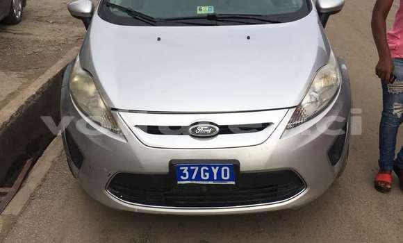 Acheter Occasion Voiture Ford Fiesta Gris à Abidjan au Abidjan