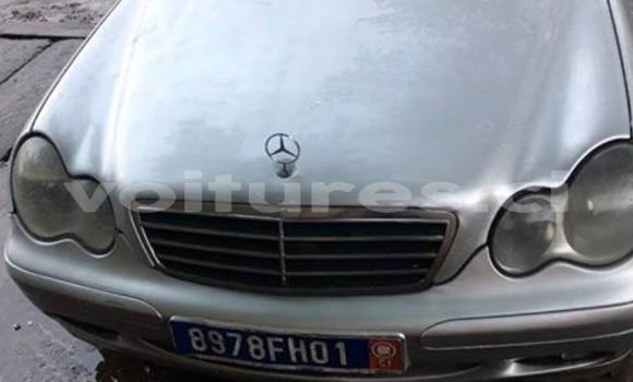Acheter Occasions Voiture Mercedes‒Benz C–Class Gris à Abidjan au Abidjan