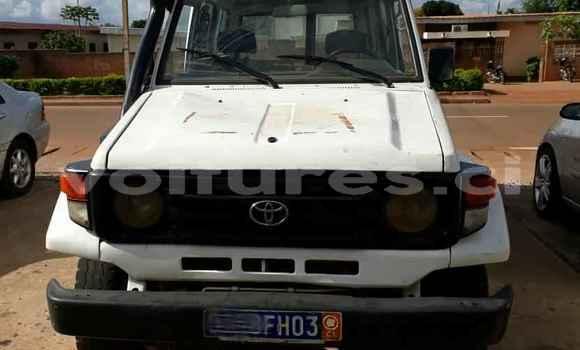 Acheter Occasions Voiture Toyota Land Cruiser Blanc à Yamoussoukro au Yamoussoukro