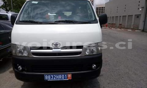 Acheter Occasions Voiture Toyota Hiace Blanc à Abidjan au Abidjan