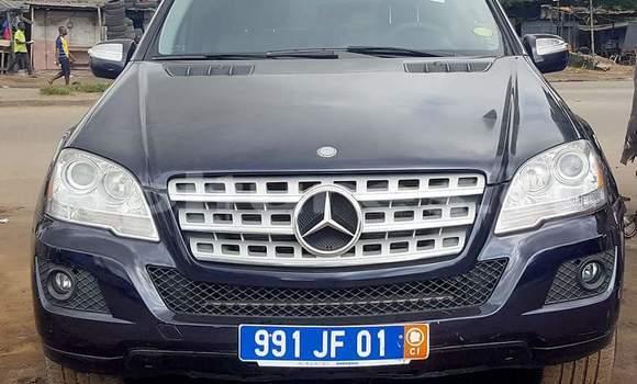 Acheter Occasion Voiture Mercedes‒Benz C–Class Bleu à Abidjan, Abidjan