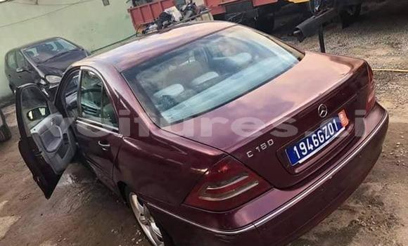 Acheter Occasion Voiture Mercedes‒Benz C–Class Rouge à Abidjan, Abidjan
