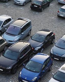 Thumb parking 825371 960 720